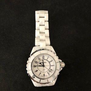 Chanel J12 white ceramic dial quartz lady watch